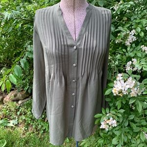 Chelsea Studio Sheer Pleated Button Down Top NWT